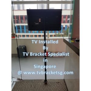 Is it better to get professional help for mounting your TV on TV brackets?